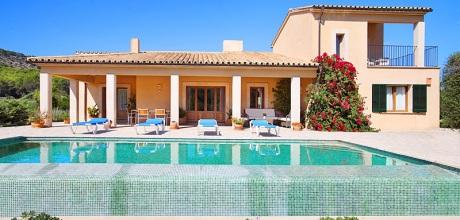 Mallorca Nordküste: Komfort – Ferienhaus Pollensa 3355 mit Pool, Internet und Panoramablick. Wechseltag Samstag, Nebensaison flexibel auf Anfrage.