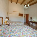 Finca Mallorca MA3069 Schlafzimmer mit Schrank