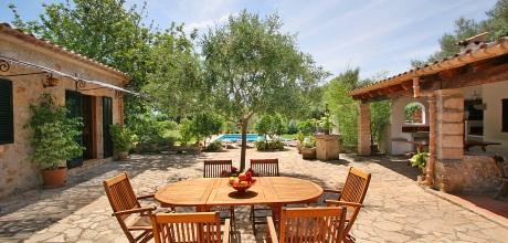 Mallorca Nordküste – Finca Pollensa 3380 mit Flair und Pool, Strand 5,8km, Grundstück 3.000qm, Wohnfläche 170qm. Wechseltag Samstag.