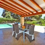 Luxus-Finca Mallorca MA3350 überdachte Terrasse mit Gartenmöbel