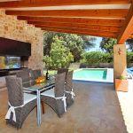 Luxus-Finca Mallorca MA3350 Grillecke mit Esstisch