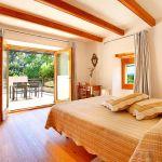 Luxus-Finca Mallorca MA3350 Schlafzimmer mit Zugang zur Dachterrasse