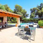 Luxus-Finca Mallorca MA3350 Terrasse mit Tisch