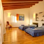 Luxusfinca Mallorca MA3260 Schlafzimmer mit 2 Betten