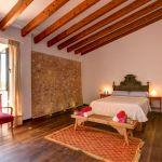 Luxusfinca Mallorca MA3260 Schlafzimmer mit Doppelbett