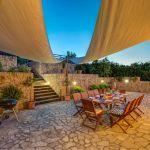 Luxusfinca Mallorca MA3260 Terrasse mit Sonnensegel