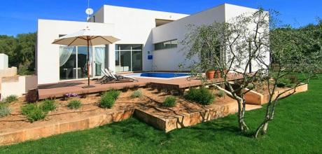Mallorca Nordküste – Komfort Villa Crestaix 3022 für 6 Personen mit Pool, Grundstück 1.050qm, Wohnfläche 160qm. Wechseltag flexibel – Mindestmietzeit 1 Woche