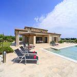 villa-mallorca-ma3150-poolterrasse-mit-liegen