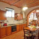 Ferienhaus Toskana 860 Küche mit Esstisch