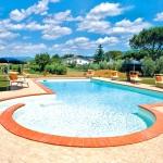 Ferienhaus Toskana TOH601 - Swimmingpool mit Sonnenschirmen