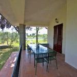 Ferienhaus Toskana TOH601 - Tisch und Stühle auf der Terasse