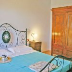 Ferienhaus Toskana TOH615 Schrank im Doppelzimmer