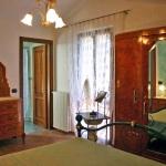 Ferienhaus Toskana TOH725 - Schlafzimmer mit Ehebett