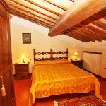 Ferienhaus Toskana TOH730 Schlafraum mit Dachschräge