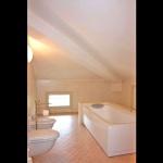 Ferienhaus Toskana TOH735 - Badezimmer mit Wanne