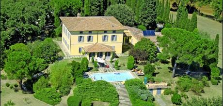 Ferienhaus Toskana Chiusi 735 mit Pool in exponierter Lage, Wohnfläche ca. 500qm. Wechseltag Samstag, Nebensaison flexibel auf Anfrage.