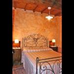 Ferienhaus Toskana TOH745 - Schlafraum mit Doppelbett