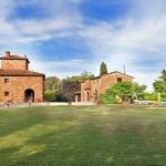 Ferienhaus Toskana TOH850 - Garten mit Blick auf das Haus