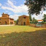 Ferienhaus Toskana TOH850 Garten mit Rasenflaeche