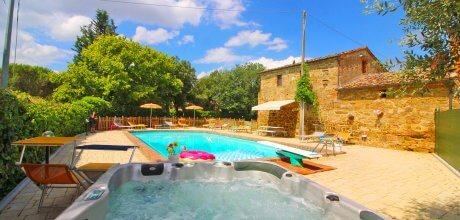 Ferienhaus Toskana Lucignano 850 für 18 Personen mit großem Pool, Whirlpool und Internet, Wohnfläche ca. 400qm. Wechseltag Samstag, Nebensaison flexibel auf Anfrage.
