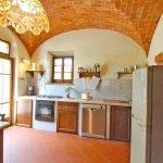 Ferienhaus Toskana TOH850 Küche mit Tisch