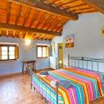 Ferienhaus Toskana TOH850 Schlafzimmer mit Doppelbett