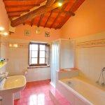 Ferienhaus Toskana TOH850 Wanne im Badezimmer