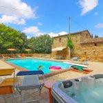 Ferienhaus Toskana TOH850 Whirlpool im Garten