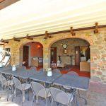 Ferienhaus Toskana TOH855 überdachte Terrasse mit grossem Esstisch