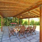 Ferienhaus Toskana TOH855 Gartenmöbel unter Sonnenschutz