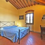 Ferienhaus Toskana TOH855 Schlafzimmer mit Doppelbett