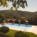 Ferienhaus Toskana TOH865 - Poolbereich mit Sonnenliegen