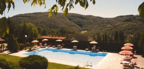 Ferienhaus Toskana Cortona 865 mit Pool, Kinderpool und Tennisplatz, Wohnfläche 240qm. Wechseltag Samstag, Nebensaison flexibel.