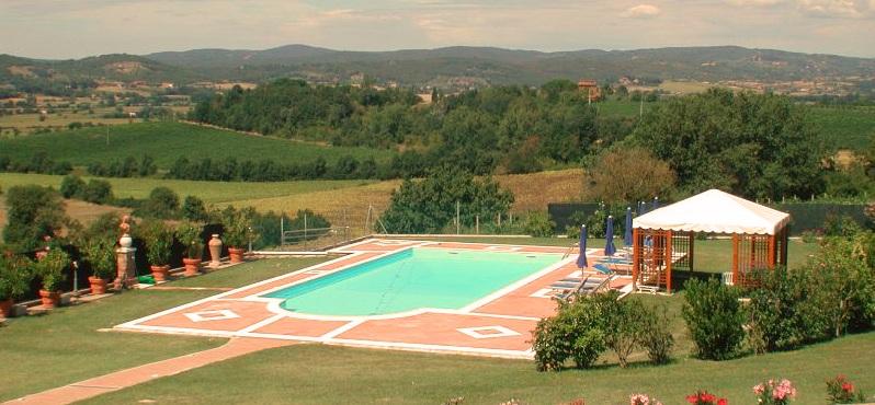 Toskana Ferienhaus TOH950 - großer Pool mit Ausblick