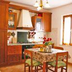 Ferienhaus Toskana TOH500 Küche mit Tisch