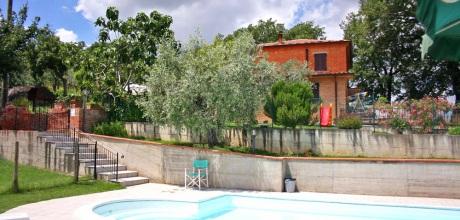 Ferienhaus Toskana Lucignano 500 mit Pool für 9 Personen mieten, Wohnfläche 140qm. Wechseltag Samstag, Nebensaison flexibel auf Anfrage.