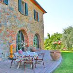 Ferienhaus Toskana TOH510 Esstisch auf der Terrasse