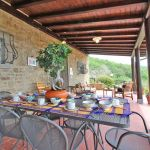 Ferienhaus Toskana TOH515 Esstisch auf der Terrasse