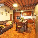 Ferienhaus Toskana TOH515 Küche mit Esstisch