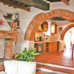 Ferienhaus Toskana TOH570 Bogengang zur Küche