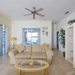 Ferienhaus Florida FVE46175 Couch im Wohnzimmer