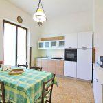 Ferienhaus Toskana TOH422 Küche mit Tisch