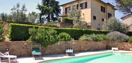 Ferienhaus Toskana Monte San Savino 422 mit Pool, Tennisplatz und schönem Ausblick, Wohnfläche 180qm. Wechseltag Samstag, Nebensaison flexibel auf Anfrage.