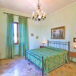 Ferienhaus Toskana TOH422 Schlafraum mit Doppelbett
