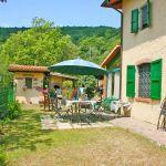Ferienhaus Toskana TOH423 Esstisch im Garten