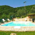 Ferienhaus Toskana TOH423 - Poolbereich mit Liegestühlen