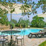 Ferienhaus Toskana TOH423 Poolterrasse mit Gartenmöbel
