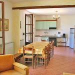 Ferienhaus Toskana TOH425 Küche mit Tisch