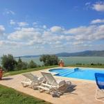 Ferienhaus Toskana TOH435 - Liegestühle am Becken