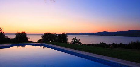 Toskana Ferienhaus San Feliciano 435 mit Pool und herrlichem Seeblick, Wohnfläche 220qm, kostenlose Stornierung bis 45 Tage vor Anreise für alle Neubuchungen, Wechseltag Samstag, Nebensaison flexibel auf Anfrage.